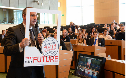 Sergei Stanishev presents the Youth Guarantee campaign during the S&D Group conf